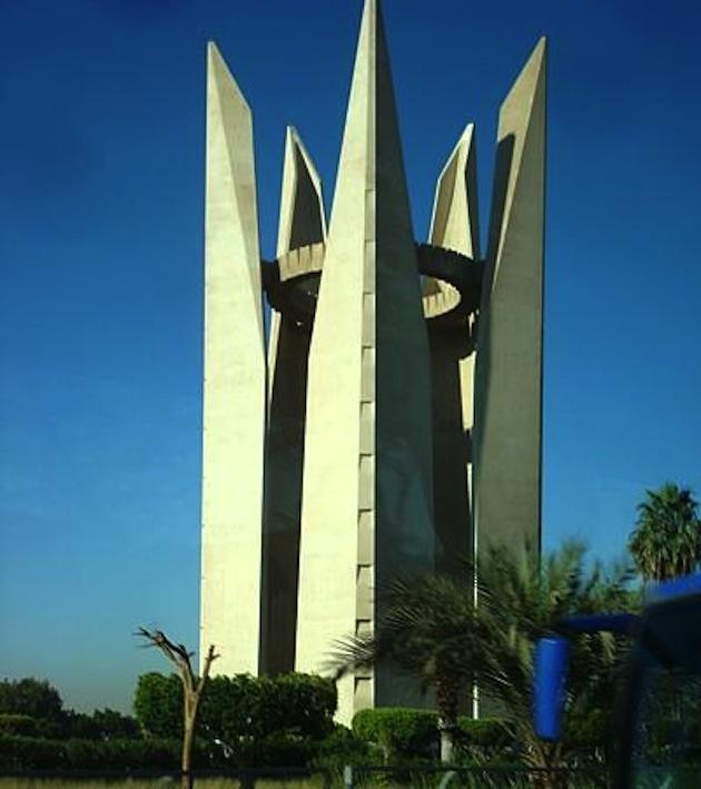 Памятник «Дружбы народов» в Египте